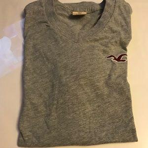 Abercrombie Grey V-Neck T-Shirt Men Size M